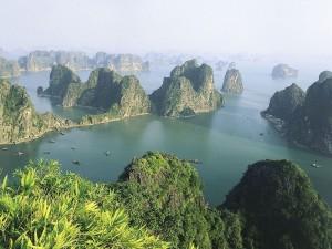 Bahia de Ha Long, principal atractivo del crucero por Asia.