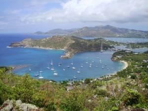 La isla de Antigua en el Caribe