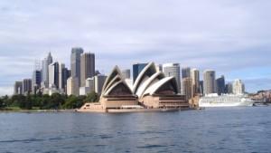 Vistas del CBD de Sydney desde uno de los ferris públicos.
