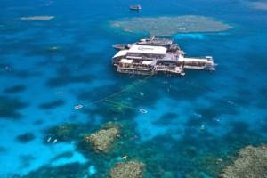 Vista aérea de un pontoon en la Great Barrier Reef