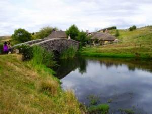Puente que cruza a la taberna del Dragón Verde