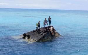 Algunos barcos son visibles desde la superficie