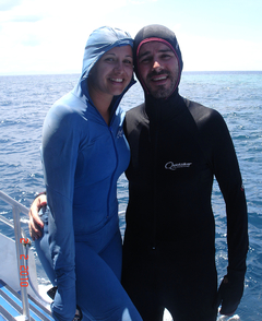 Para bucear es necesario cubrirse por completo debido a las medusas