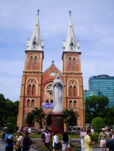 La Iglesia de Notre Dame de Saigón sobrevivió a la Guerra.