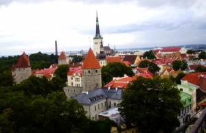 Vistas de la ciudad antigua de Tallín.