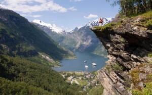 Cada punto del recorrido ofrece vistas espectaculares, esta en Geiranger.