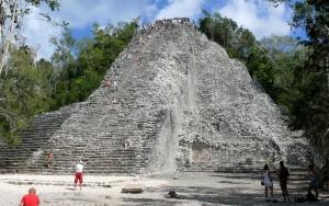La pirámide de Cobá.