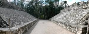 Estadio para el juego de la pelota maya.