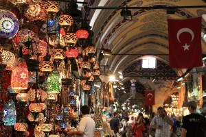 Regatear en el Gran Bazar de Estambul.
