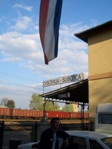 A la espera de ser deportados en Serbia.