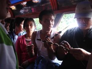 Comer cucarachas es una de las anécdotas de viaje más recordada.