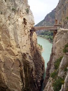 El Puente colgante en el Desfiladero de Gaitanes.