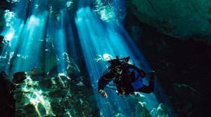 Entre los destinos de buceo destacan los cenotes.