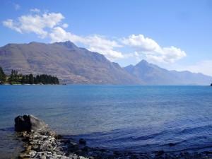 Vistas a orillas del lago Wakatipu.