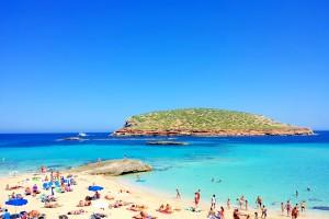 Cala Conta está en las mejores playas de Ibiza.