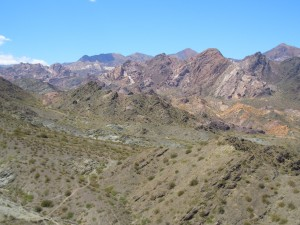 El valle de Uspallata en nuestro camino a Mendoza.