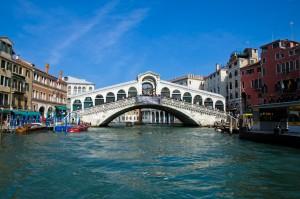 El Ponte Rialto, icono de Venecia.