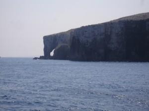 La Roca Elefante la vemos en la llegada a Comino.