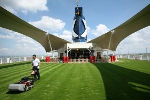 El Lawn Club de Celebrity Cruises.