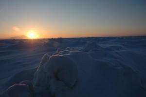 El estrecho de Bering, congelado y lleno de icebergs.