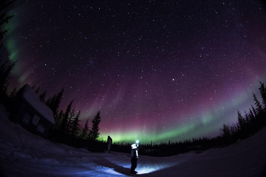 Viendo la tormenta de Auroras Boreales.