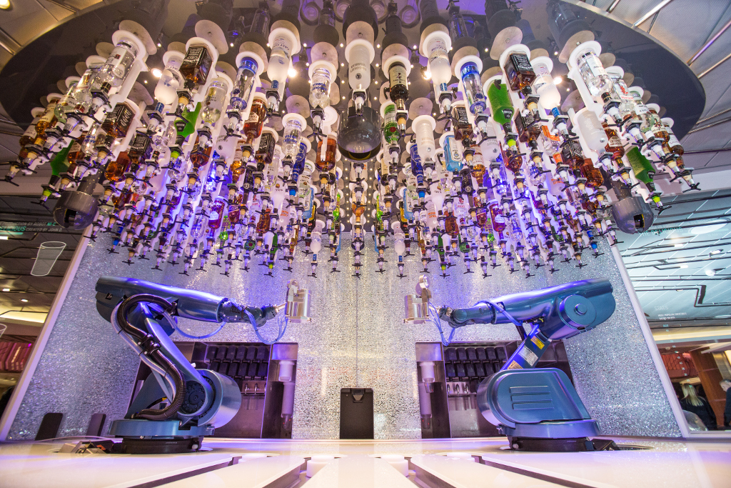Robotic Bar del Harmony of the Seas