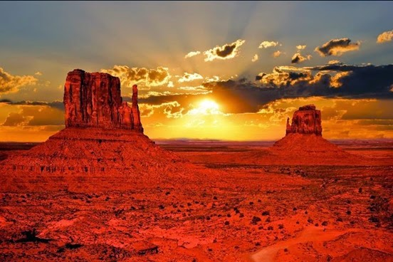 2. Monument Valley, Arizona, USA