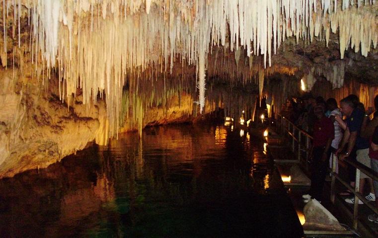 Crystal Caves en las islas Bermudas