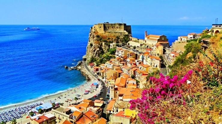 8. Scilla - Top 10 Italian Coastal Sites