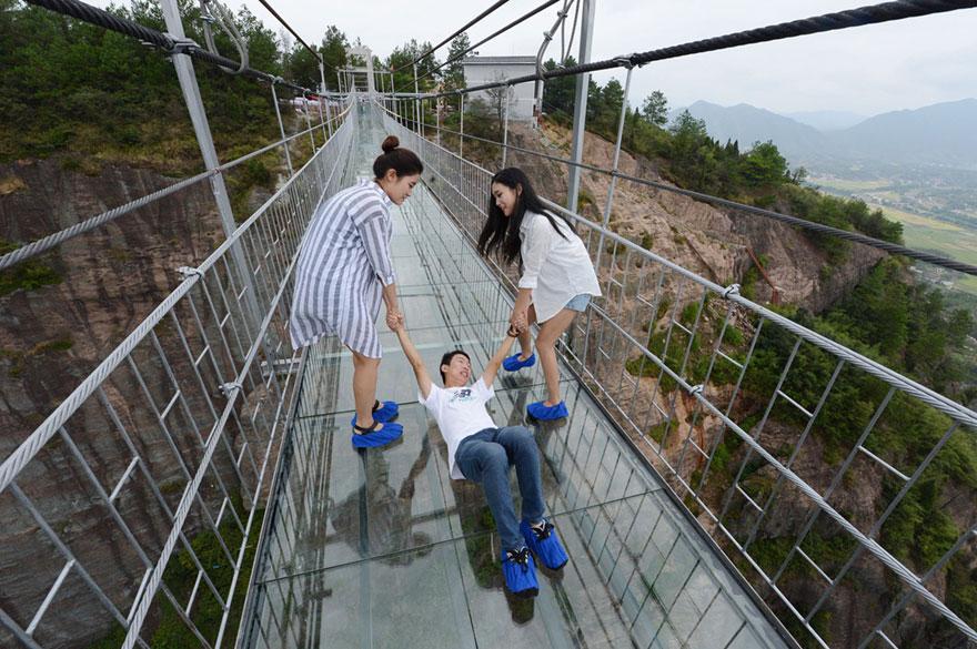 El puente de cristal más alto del mundo