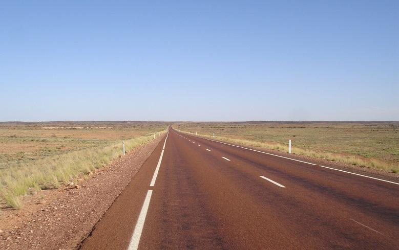 Carretera en camino a Coober Pedy
