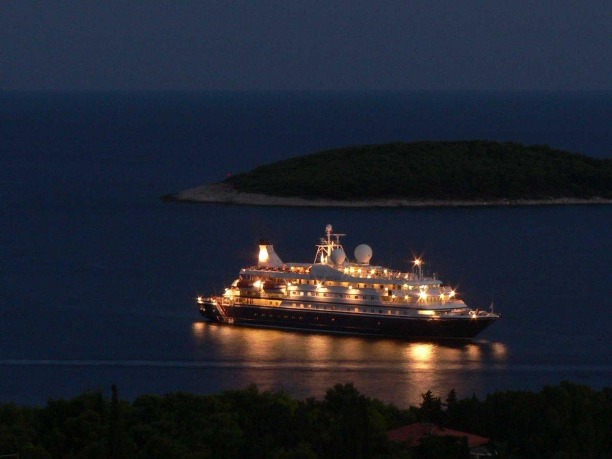 9. Seadream-yacht-club-seadream-i